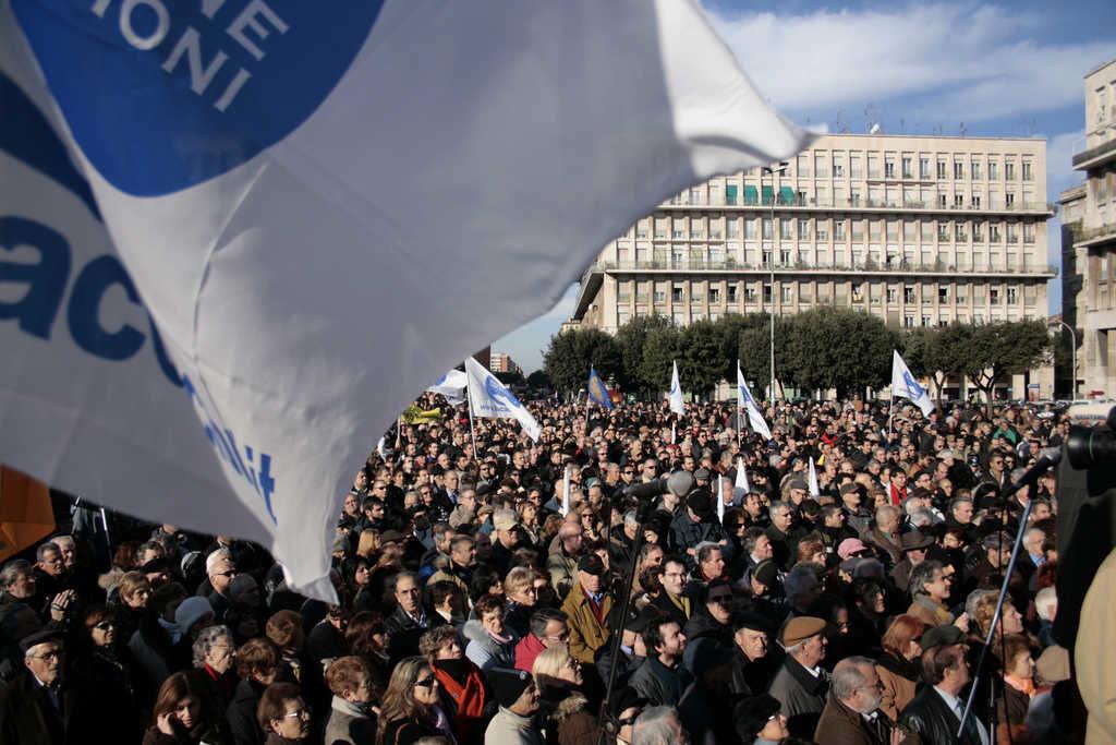 folla al Funerale laico di Piergiorgio Welby