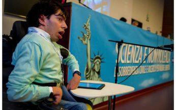 foto di Marco Gentili durante l'intervento al XIV Congresso